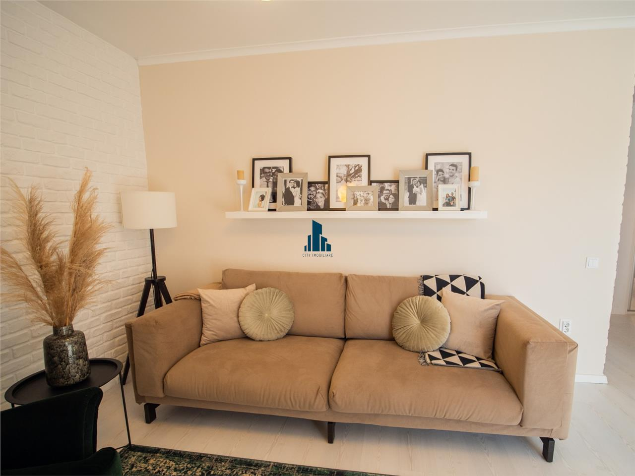 Apartament 3 camere, Lux, S80 mp+30 mp terasa, bloc nou, Buna Ziua