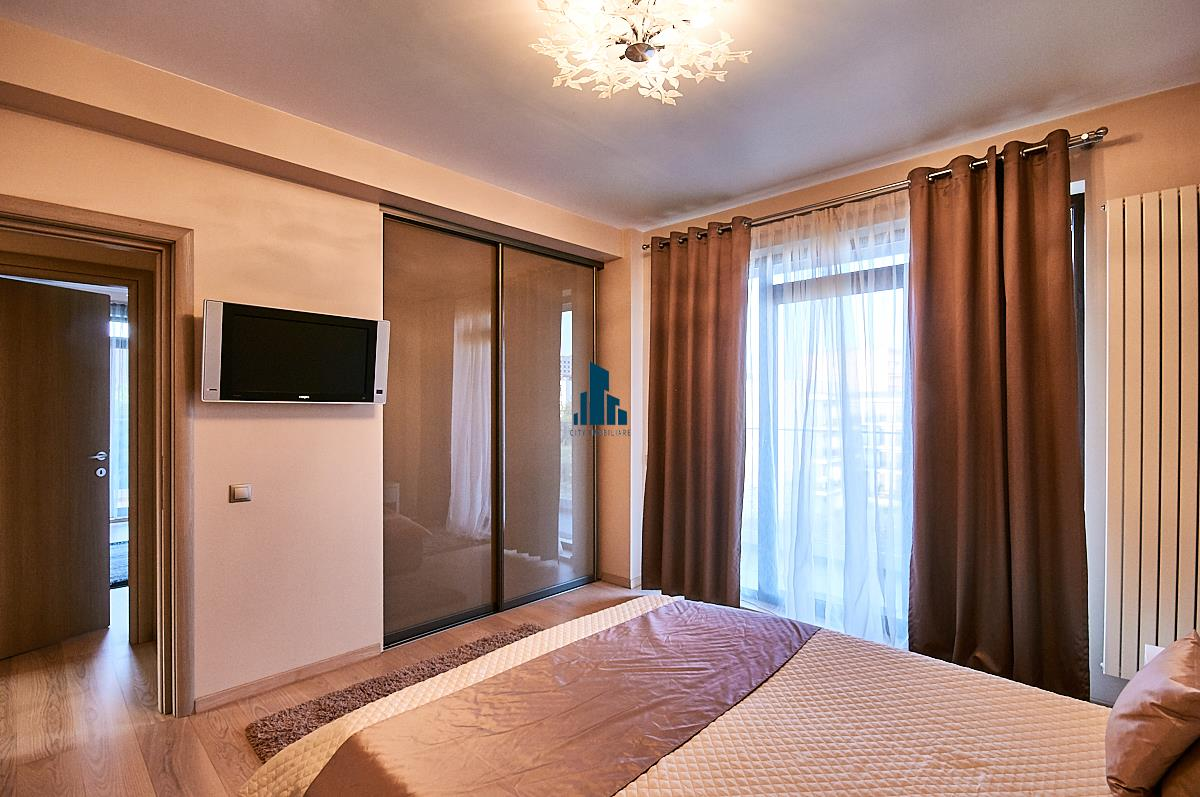 Apartament 3 camere LUX, S90 mp + 23 mp. terase, Europa