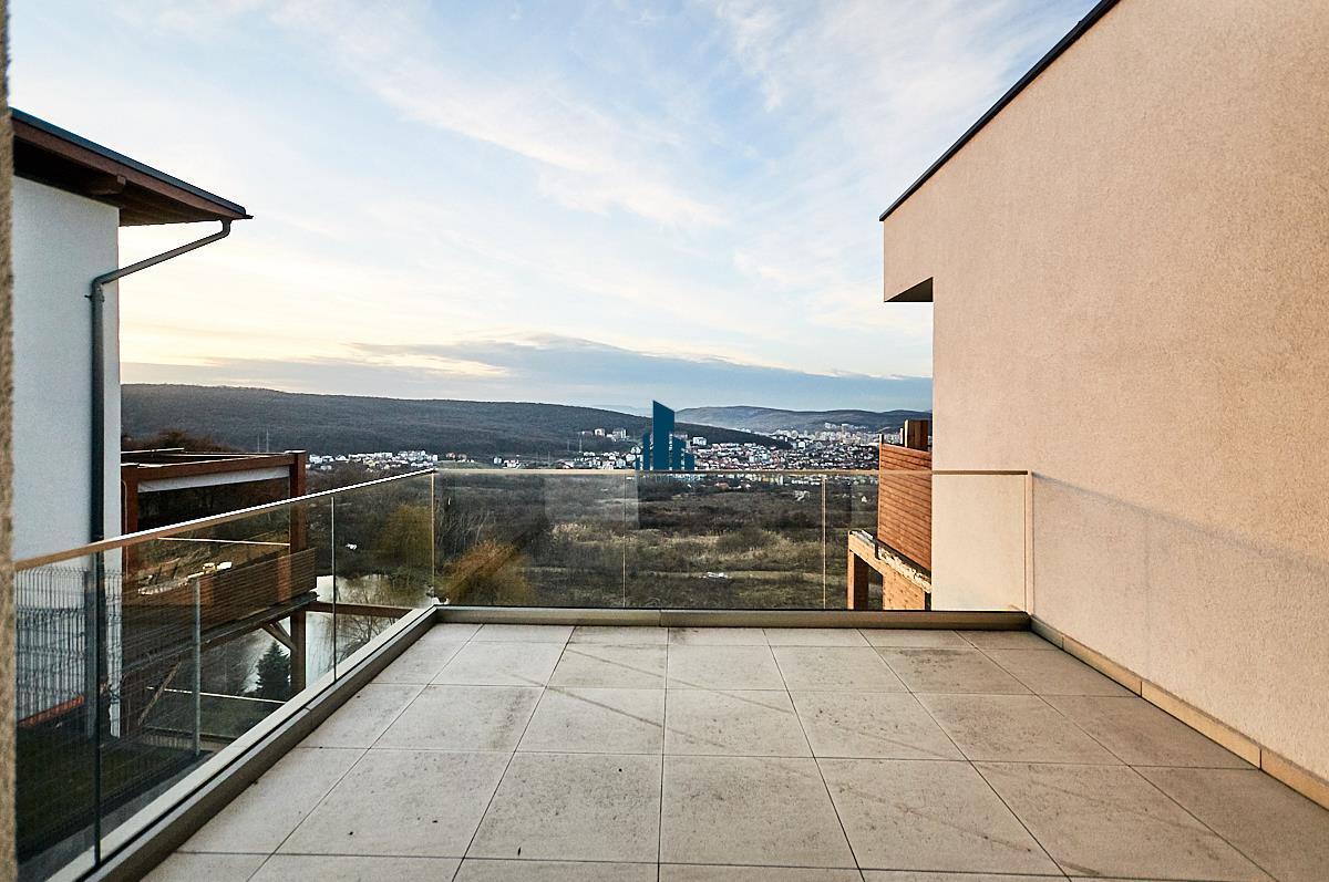 Casa de tip Duplex, S235mp, teren 400 mp, Panorama, Europa