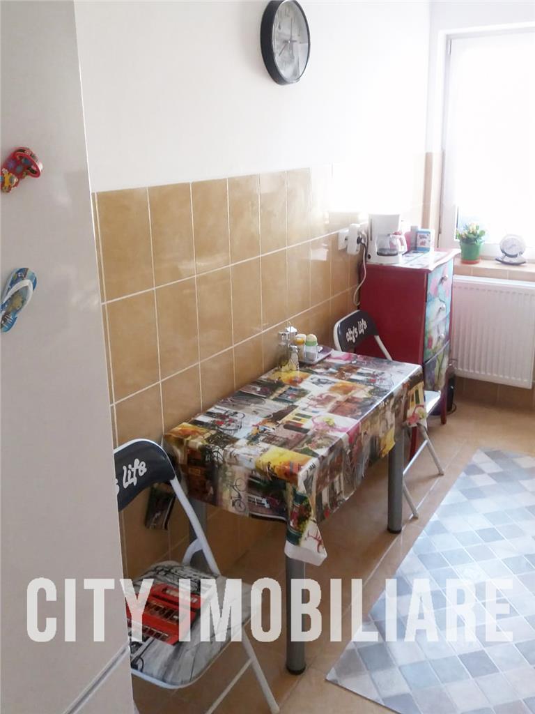 Apartament 2 camere, decomandat, Su40mp. Zona Iris