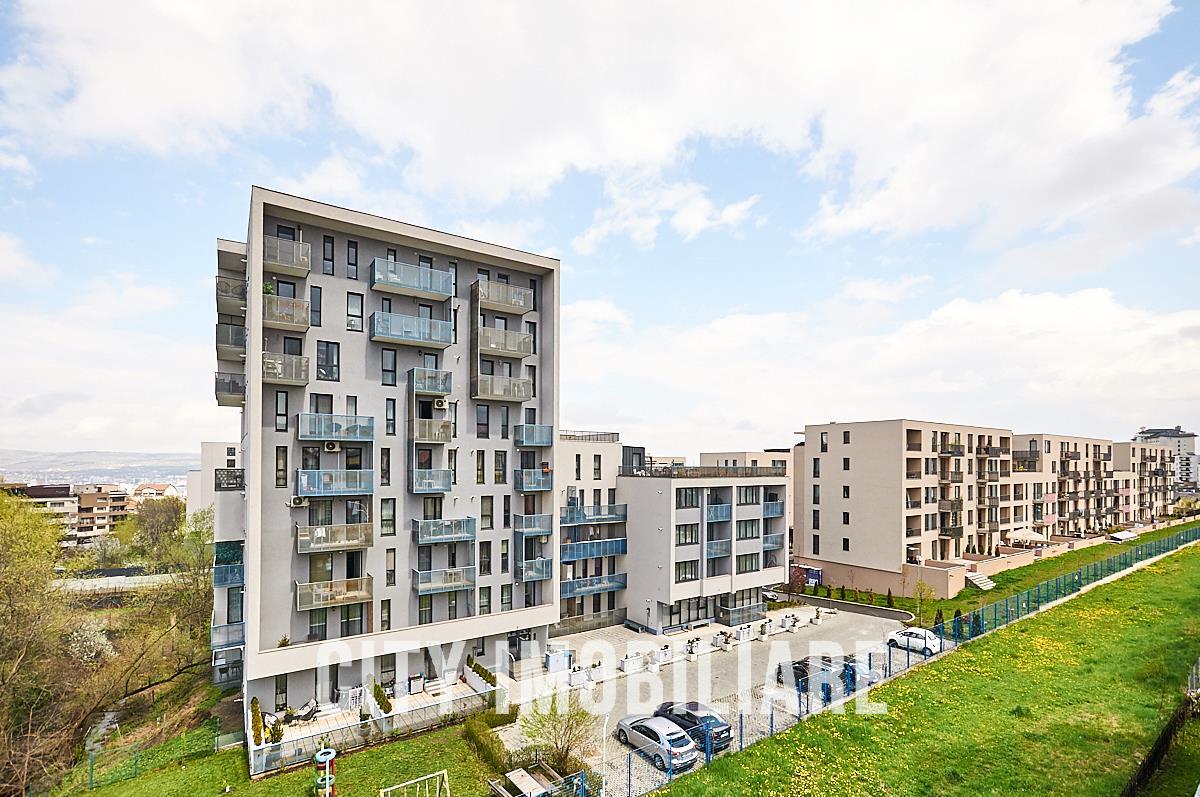 Apartament 5 camere, cu 4 dormitoare, 2 bai, parcare, zona SIGMA