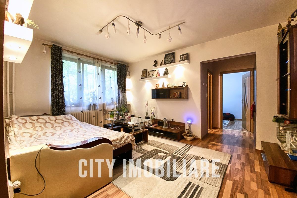 Apartament 2 camere, semidecomandat,  mobilat, utilat, Gheorghieni.