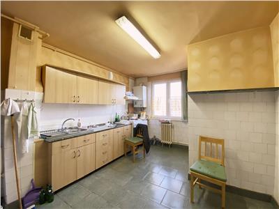 Apartament 4 camere, decomandat, 104mp. Gradini Manastur.