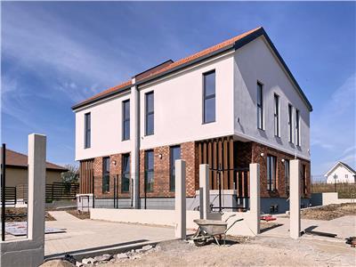 Casa-Duplex, S-180 mp + 450 mp. teren, Dezmir