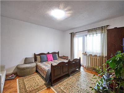 Apartament 3 camere DECOMANDAT, 67 mp + 2 balcoane, etaj 3/4, Zorilor