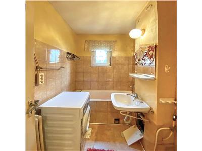 Apartament 2 camere, decomandat, S 52 mp., zona Piata Flora