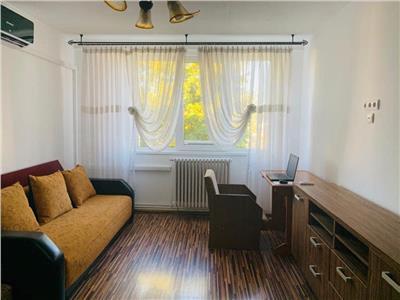 Apartament 2 camere, decomandat, mobilat, zona Garii.