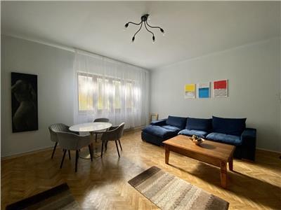 Apartament 2 camere, decomandat, mobilat, utilat, Centru.