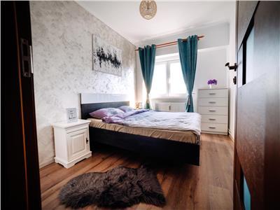 Apartament cu 3 camere, LUX, decomandat, Intre Lacuri