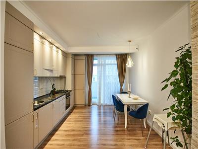 Apartament 3 camere, LUX, 2 bai, parcare, Soporului.