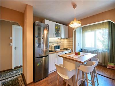Apartament 2 camere, S-50 mp, 2/4, mobilat, utilat, str. Lunii