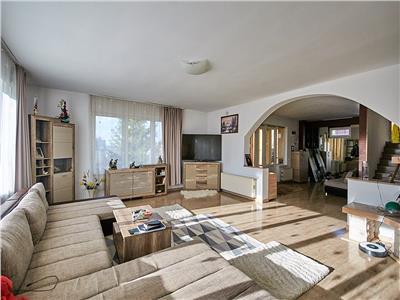 Casa cu 7 camere, S-460 mp, teren 1000mp., Zorilor