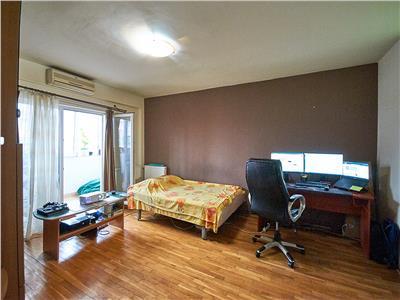 Apartament cu 3 camere Decomandat, S-73 mp+balcon, str. Năsăud