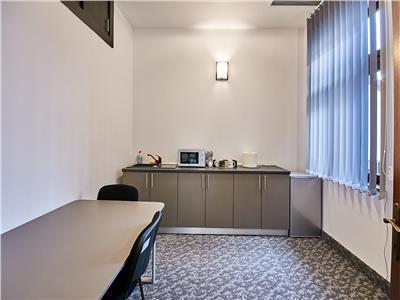 Spațiu birou de inchiriat ultracentral 146 mp. bd. Eroilor nr. 48