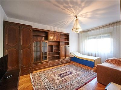 Apartament 4 camere, decomandat, S-82 mp. str. Dorobantilor