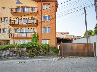 Apartament 3 camere, S125 mp + gradina 285 mp. Buna Ziua