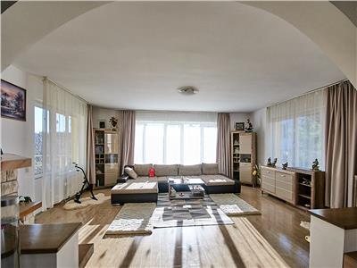 Casa cu 7 camere, S-460 mp, teren 1000mp., Zorilor.