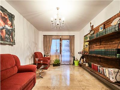 Apartament 2 camere, decomandat, S-54mp + 2 balcoane, str. Plopilor
