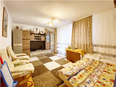 Apartament 4 camere, S 85mp + 4mp Balcon, Etaj 2/4. Mehedinti
