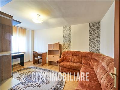 Apartament 3 camere decomandat, S-70mp, Intre Lacuri