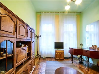 Apartament 4 camere, str. Universitatii, zona Ultracentrala