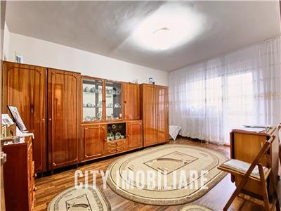 Apartament 3 camere decomandat, 2 bai, etaj 1/7, Intre Lacuri