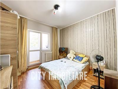 Apartamenr 2 camere, decomandat, 2 parcari, Str. Viilor, Zorilor